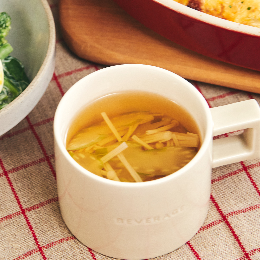 素材の味が効いた!セロリとえのきの生姜スープ