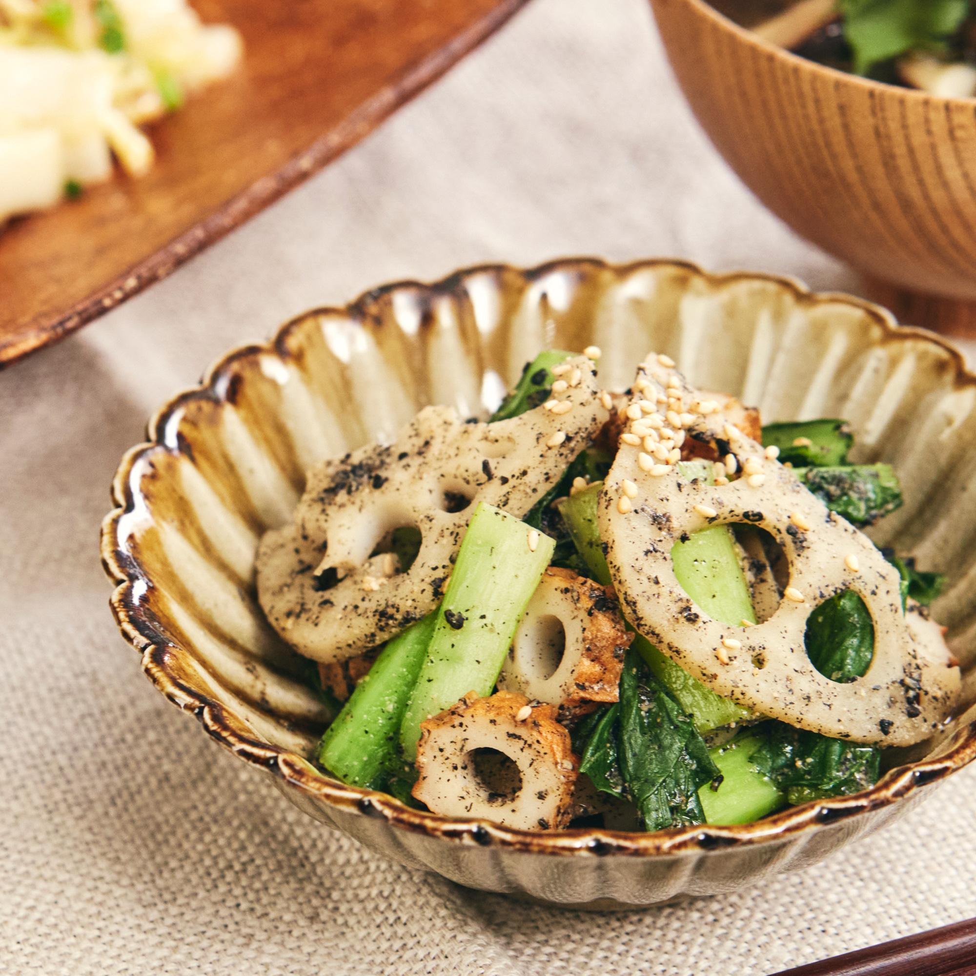 食感を楽しむ♪ レンコンと小松菜のごま酢和え