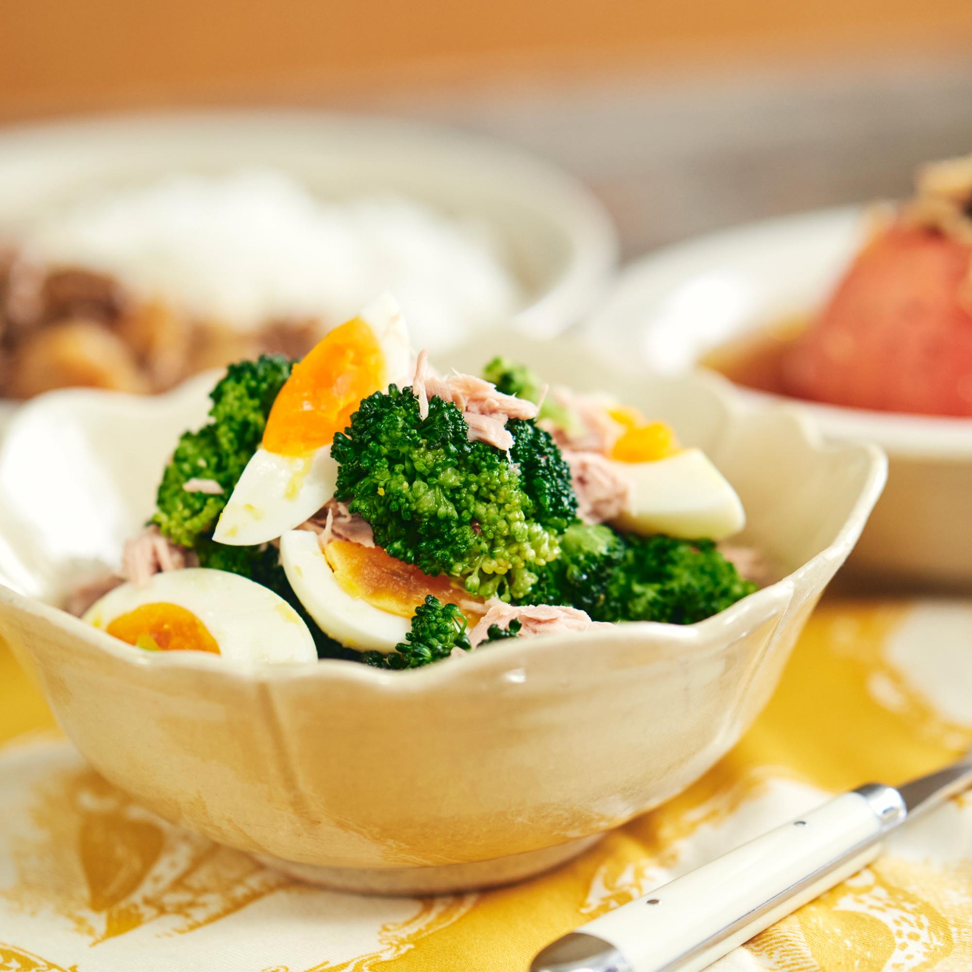 ツナ缶丸ごと!ゆで卵とブロッコリーのサラダ