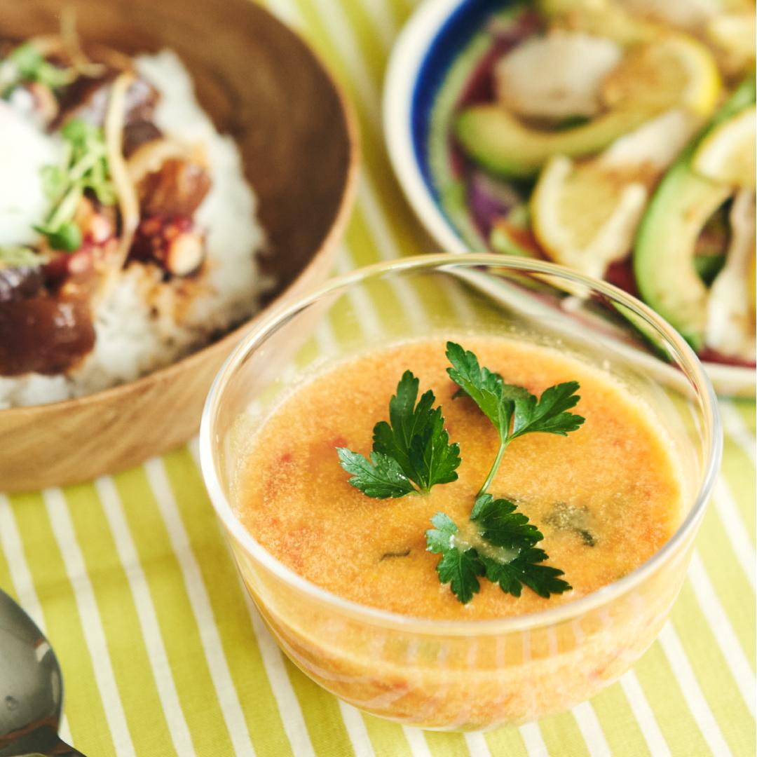 イタリアンパセリたっぷり!ひえひえトマトのハーブスープ
