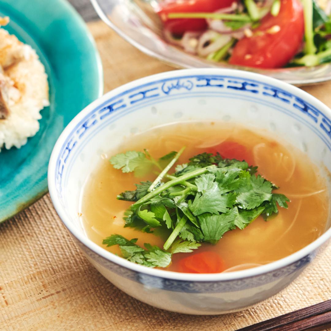おうちでタイ料理♪トムヤムクン風スープ