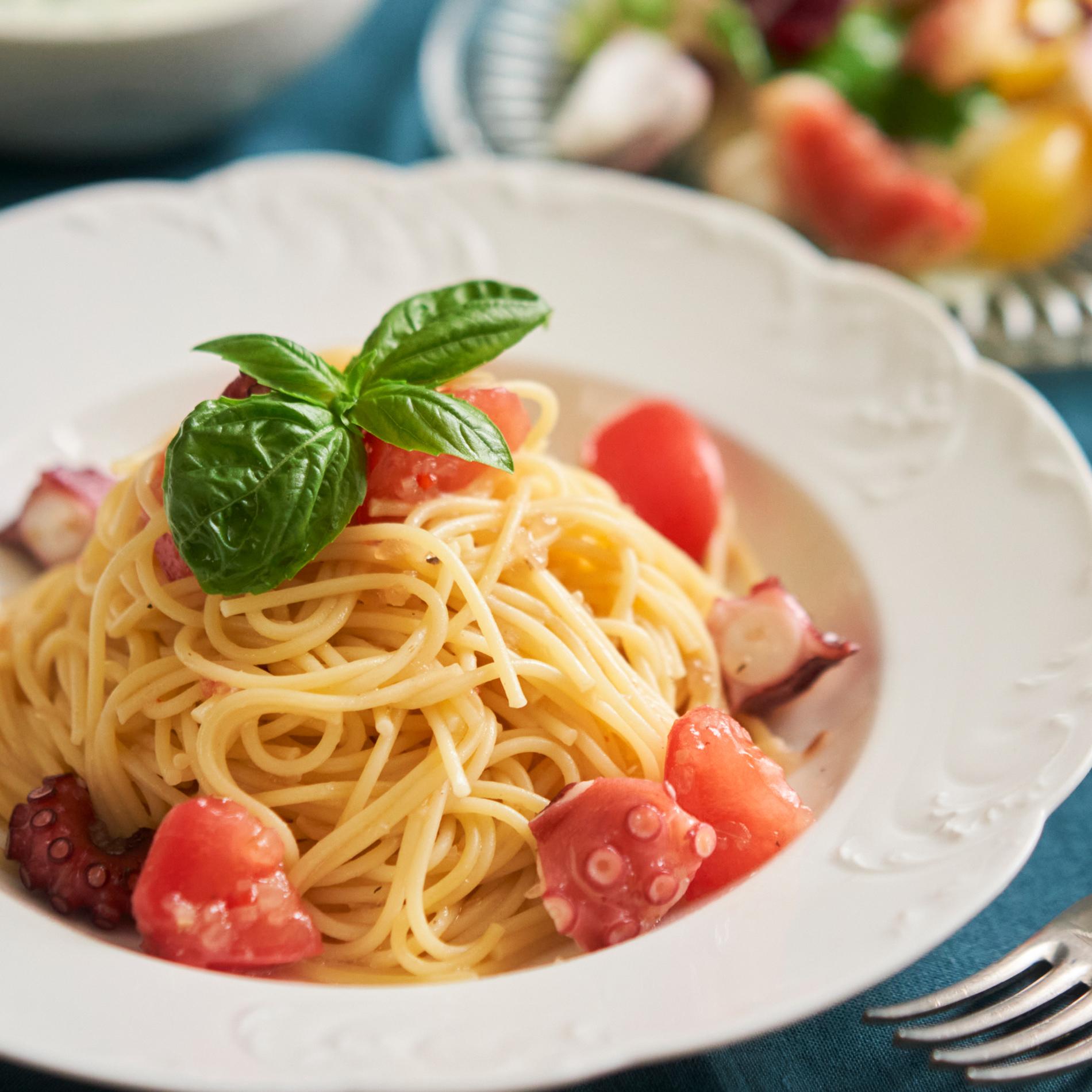 味付けはドレッシングで簡単♪トマトとタコの冷製パスタ